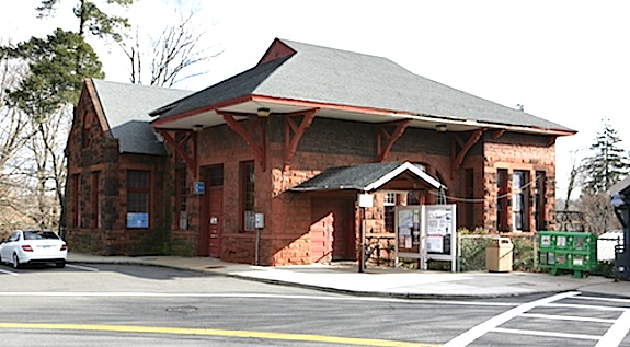 Harrison-Train-Station