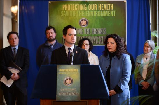 State Sen. David Carlucci ( D- Rockland/Westchester) announces bill to suspend hydrofracking. .