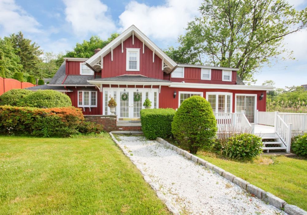 Real Estate Listings: Larchmont, Mamaroneck, and More