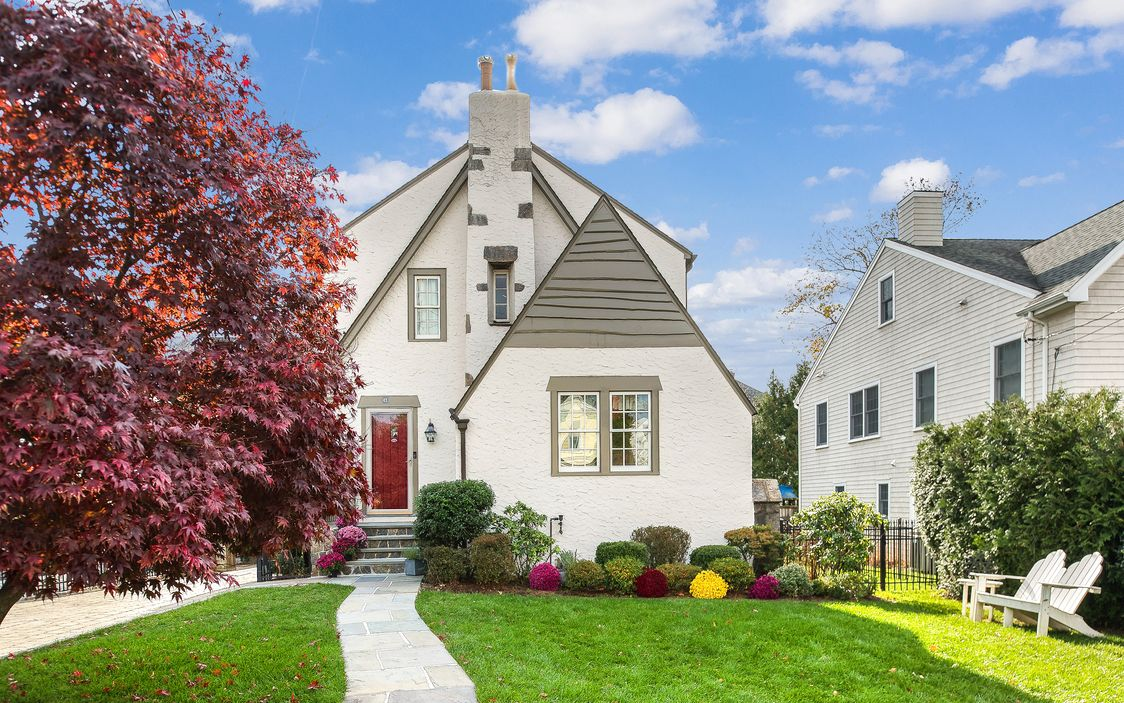(SOLD: $965,000) Manor Charmer