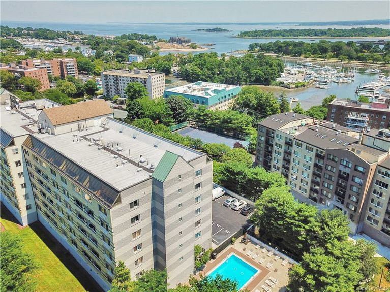 (RENTED: $2,500) Fabulous and Sun-Filled Condo