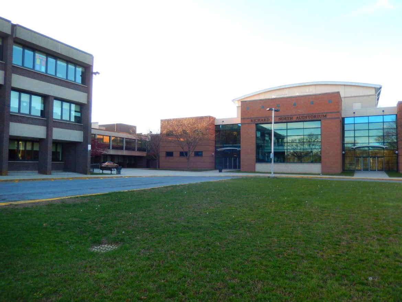 Hommocks_Middle_School_North_Auditorium_DSCN1887