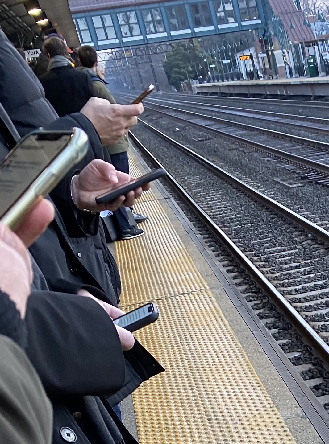 cellphones,train