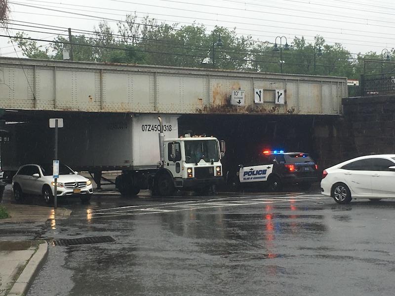 truck under bridge mamk